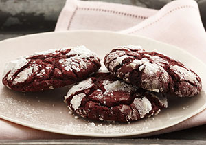 red-velvet-crinkle-cookies_crop_1376495371.29